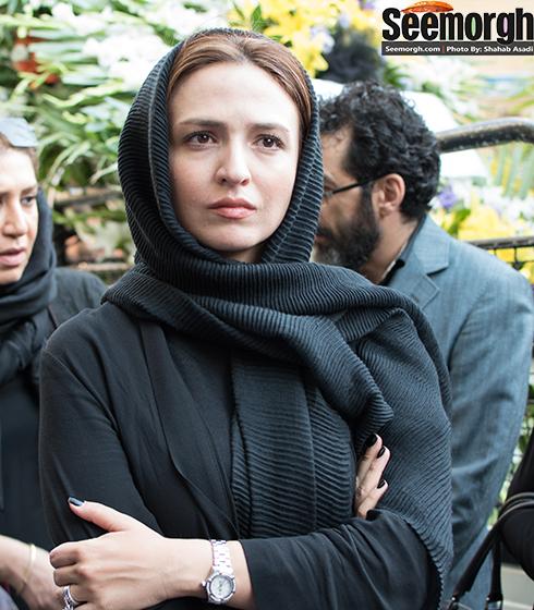 گلاره عباسی در ختم مادر پژمان جمشیدی