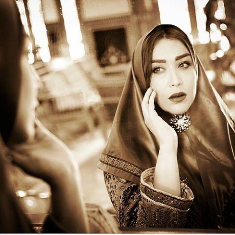 سارا منجزی با آرایش زنان قاجاری