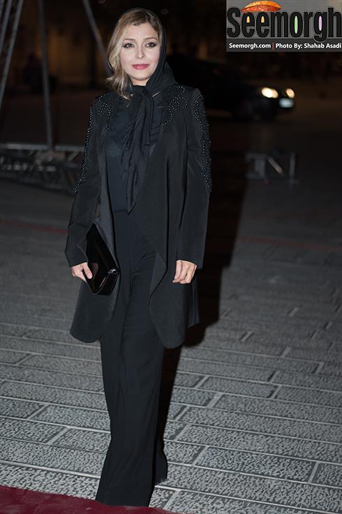 ظاهر ساره بیات در جشن خانه سینما 95