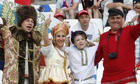 قیافه عجیب تماشاگران یورو 2016(10)