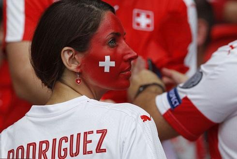 قیافه عجیب تماشاگران یورو 2016(17)