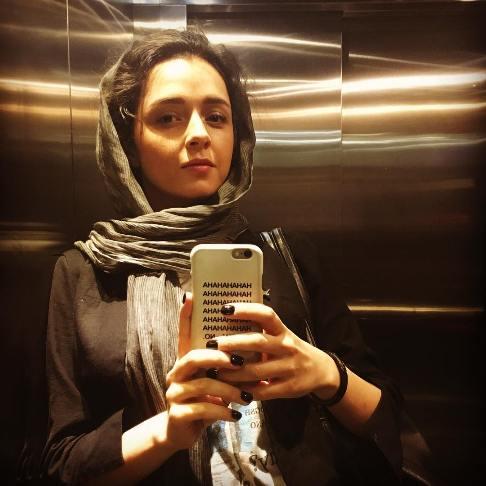سلفی ترانه علیدوستی در آسانسور