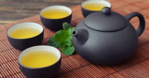 چای سبز به معنای واقعی کلمه چربی های اطراف شکم را منفجر می کند!
