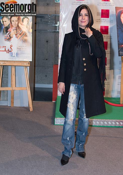سارا بهرامی با شلوار پاره در اکران فیلم گیتا! , سارا بهرامی در پردیس ملت , عکس سارا بهرامی , جدیدترین عکس سارا بهرامی