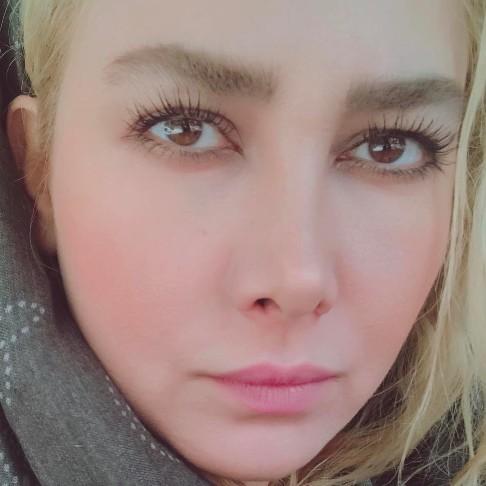 سلفی آنا نعمتی