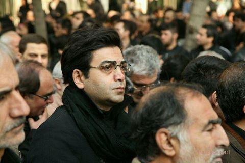 فرزاد حسنی در مراسم آیت الله هاشمی رفسنجانی