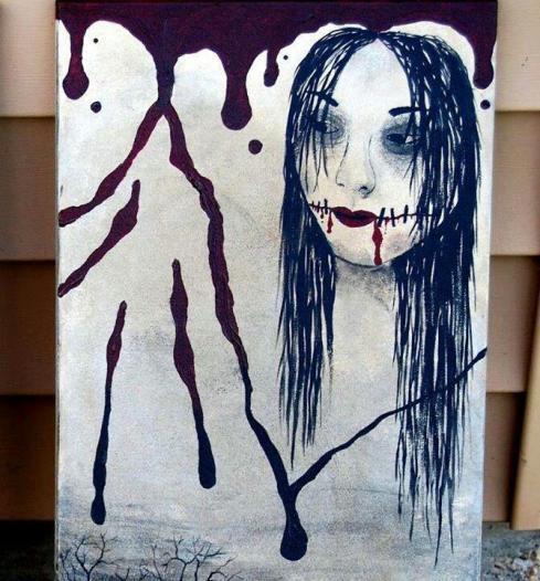 تصویر زن ماسک دار و قیچی به دست