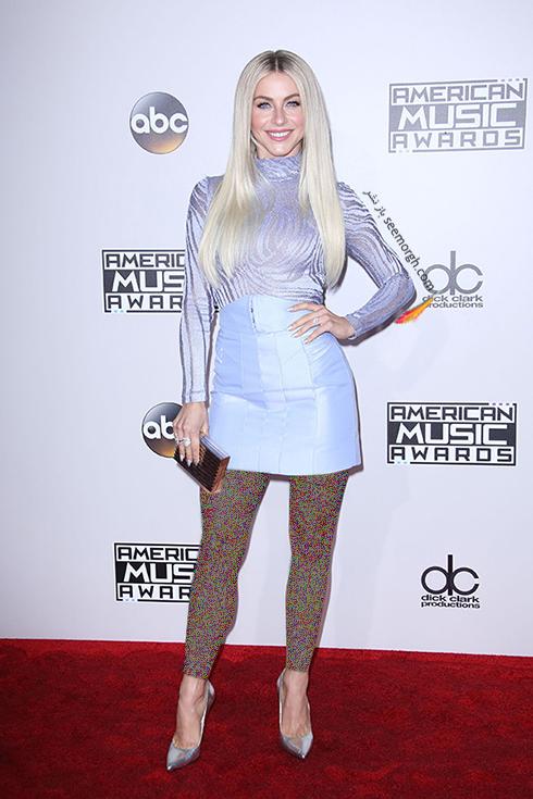 مدل لباس جولین هاف Julianne Hough در American Music Awards 2016