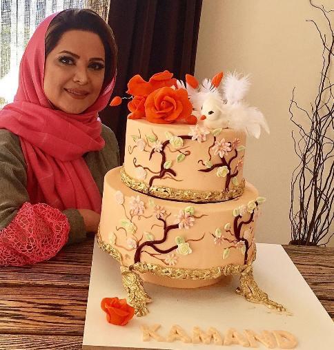 کیک تولد زیبای کمند امیرسلیمانی