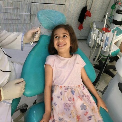 معاینه زودهنگام دندانپزشکی کودک دکتر مصطفی محاوری