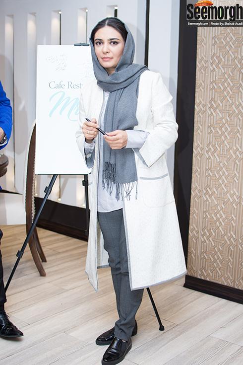 لیندا کیانی در افتتاحیه رستوران الف