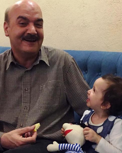عکس جدید دختر مهناز افشار در کنار ایرج طهماسب