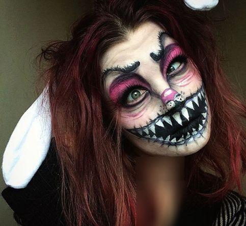 گریم خلاقانه و ترسناک یک دختر برروی صورتش