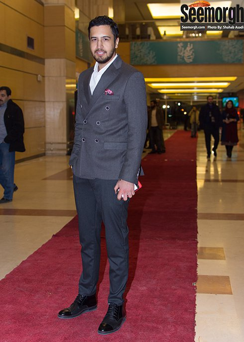 مدل لباس مهرداد صدیقیان در افتتاحیه جشنواره فجر 35