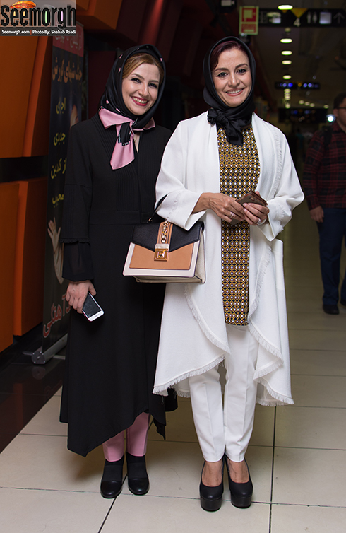 مدل مانتو مریلا زارعی و ملیکا زارعی در تیر 1396