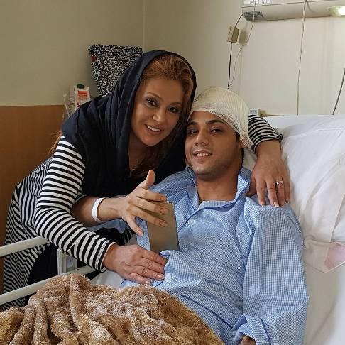 نسرین مقانلو در بیمارستان در کنار پسرش