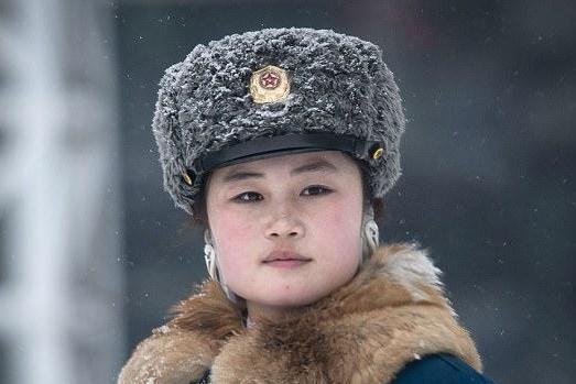 دختران پلیس راهنمایی و رانندگی در کره شمالی 1