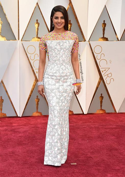 لباس پریانکا چوپرا Priyanka Chopra طراحی شده توسط شرکت مد رالف اند روسو Ralph & Russo در اسکار 2017 Oscar