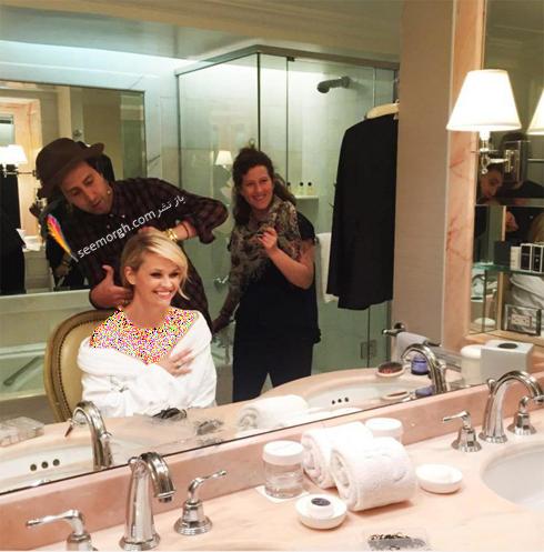 ریس ویترسپون Reese Witherspoon در حال اماده شدن برای مراسم گلدن گلوب 2017 Golden Globe