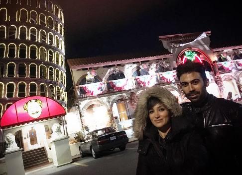 روناک یونسی و همسرش در کانادا
