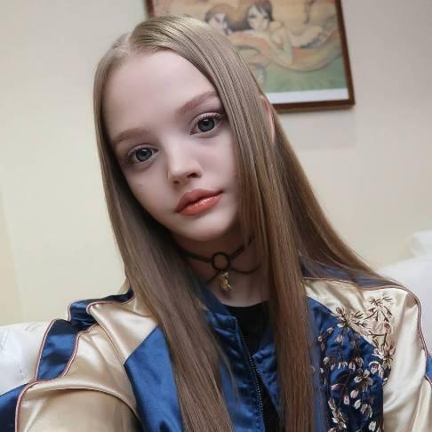 دختری که بخاطر زیبایی اش به باربی معروف شده است