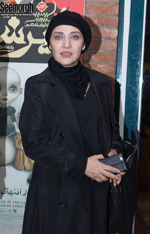 مدل مانتو رویا نونهالی در پشت صحنه تئاتر حضرت اشرف