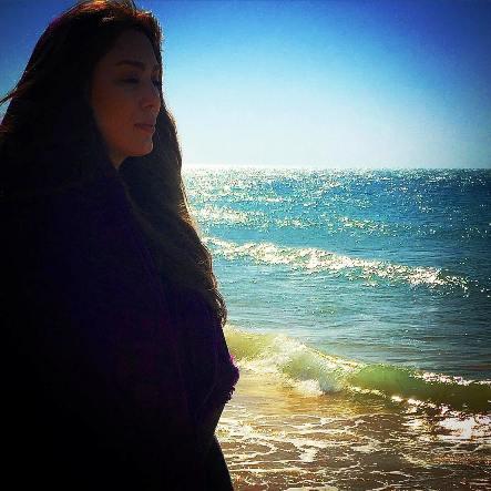 عکس دختر لب ساحل