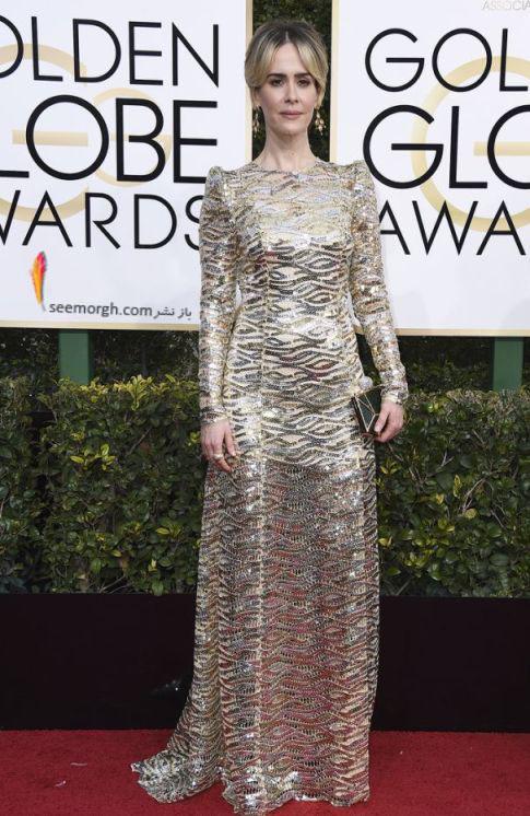 بهترین بازیگر نقش اصلی زن سریال کوتاه : سارا پالسن sarah paulson