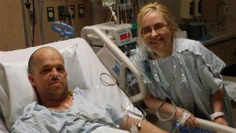 مرد فداکار در بیمارستان برای انجام پیوند کبد