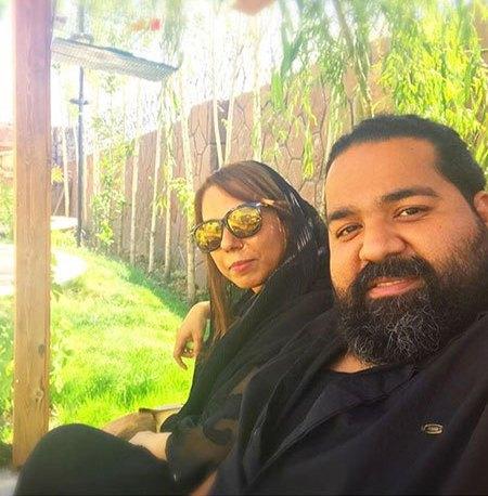 رضا صادقی در کنار خواهرش