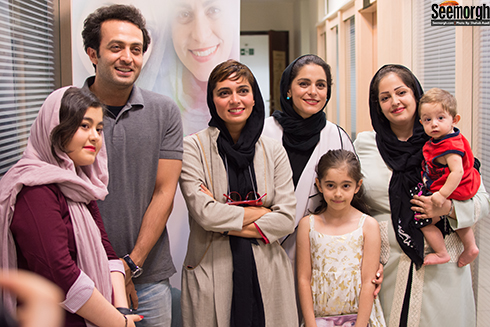 بازیگران فیلم سارا و آیدا در کنار مردم