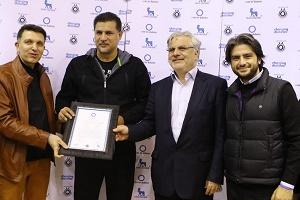 علی دایی در کنار رئیس مجلس + عکس