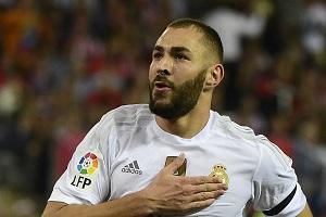 مهاجم جنجالی رئال مادرید در لباس احرام + عکس