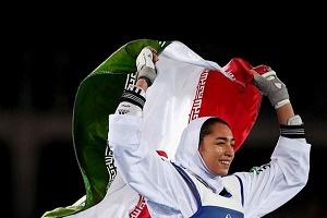 کیمیا علیزاده و عروسکش در المپیک 2016 + عکس