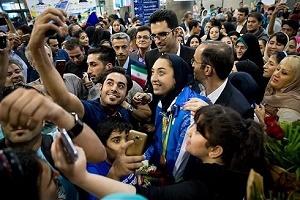 خواستگارى از کیمیا علیزاده در بازگشت به ایران!