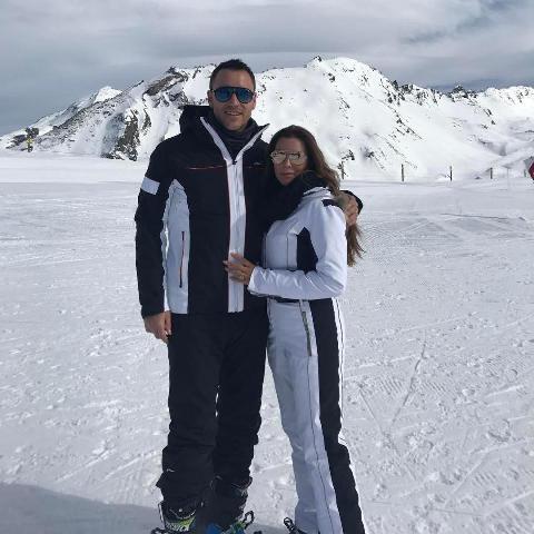 جان تری و همسرش در کوه های آلپ