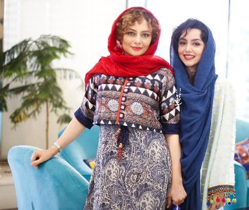 یکتا ناصر و نازنین بیاتی در رونمایی از پوستر فیلم آینه بغل