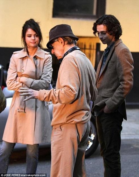 سلنا گومز در فیلم کافه سوسایتی
