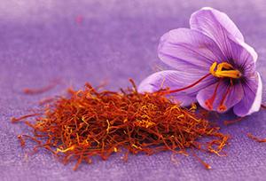 فواید زعفران چیست؟ + طرز تهیه دمنوش زعفران