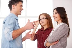 10 رفتاری که جذابیت شما را کم می کند