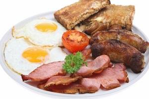 خوراکی هایی که خطر سرطان سینه را بالا می برند