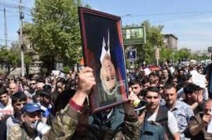 معترضین-ارمنستانی-جاده-های-منتهی-به-ایران-و-گرجستان-را-بستند