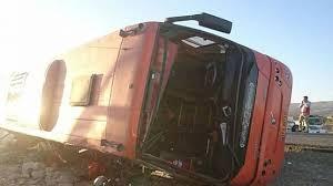 ۲ کشته و 20 زخمی در واژگونی اتوبوس دانش آموزان دختر در جاده تبریز