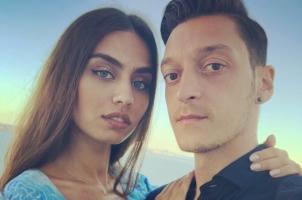 ازدواج مسوت اوزیل با دختر شایسته ترکیه در 3 کشور مختلف! عکس