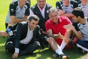هدیه ای که محمود احمدی نژاد به کارلوس کی روش داد