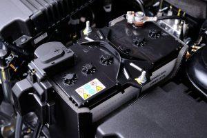 5 دلیل اصلی خالی شدن باتری خودرو