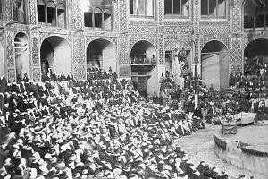 تاریخچه نمایش در ایران: از سوگ سیاوش تا نقالی و تعزیه + عکس