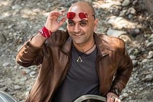 مهدی کوشکی با چهره جدید و اسلحه به دست + عکس