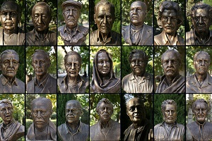 مجسمه های زشت بزرگان هنر: کیارستمی بی عینک و علی نصیریان عجیب! + عکس