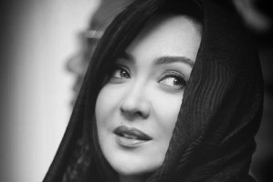 نیکی کریمی و انتشار عکس بدون حجاب مادرش!
